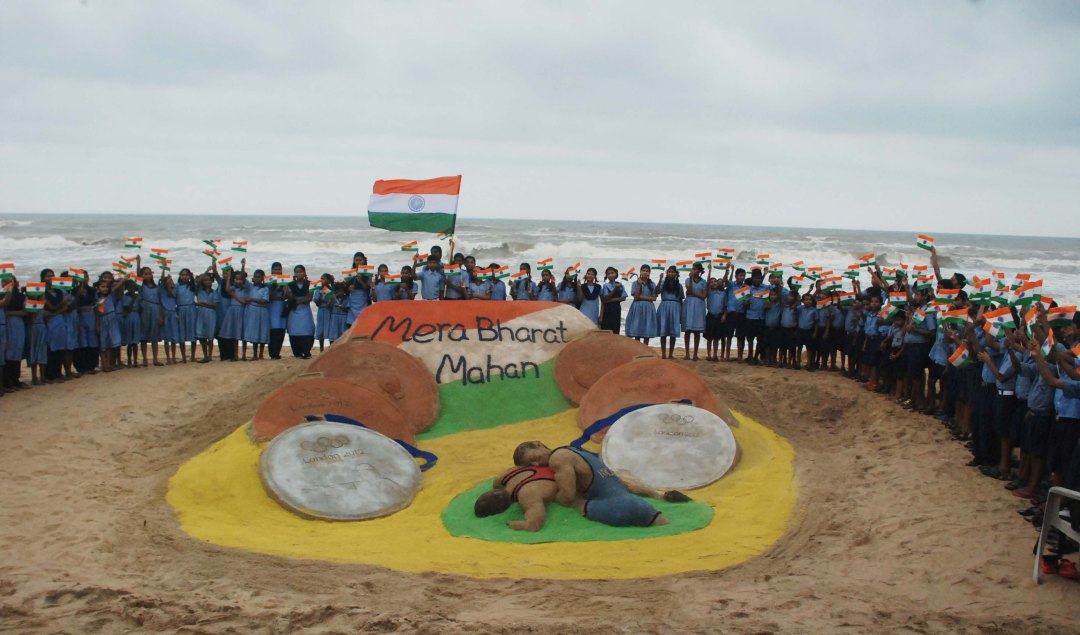 Salute to the Olympic Heroes through sand art at Puri beach