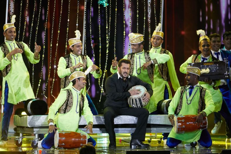 Salman Khan's finale performance at IIFA 2017